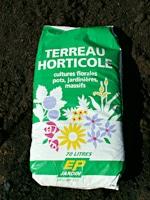 Préparation du sol et pose de gazon en plaque ou semée à Brignoles